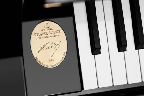 Boesendorfer-Fluegel-Sonderedition-200-Jahre-Franz-Liszt.jpg