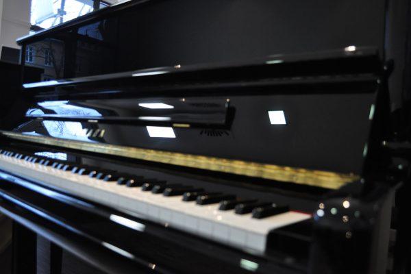 yamaha-klavier-p-124 (1)