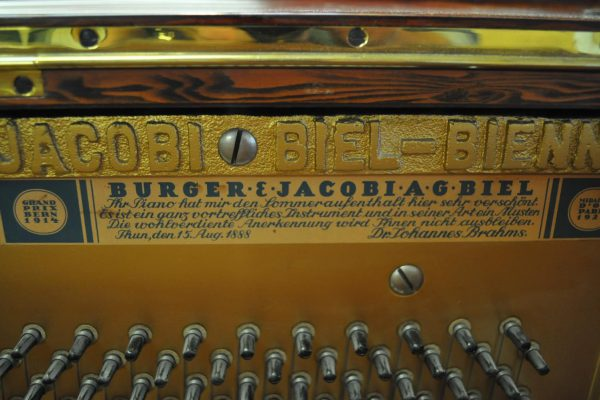 gebraucht_klavier_burger-nussbaum_wurzel (8)