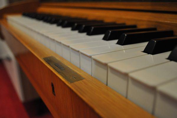 gebraucht_Klavier-bechstein (1)