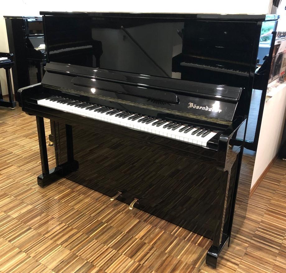 BÖSENDORFER-Klavier<br/>Gebraucht<br/>Modell 130<br/>€ 15 900,-<br/>