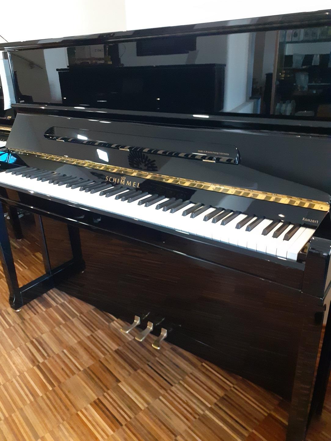 Schimmel-Klavier<br/>Modell 122 Klassik<br/>Gebraucht  Sehr gut erhalten<br/>Derzeit in Arbeit