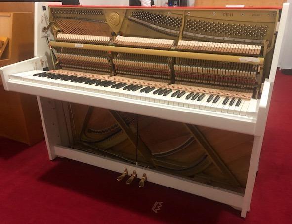 Kawai Klavier<br/>Modell CE11, weiß poliert<br/>Gebraucht<br/>Derzeit in Arbeit
