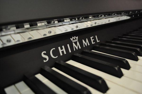 Schimmel_Klavier_121_EM_Chrom_Matt (4)